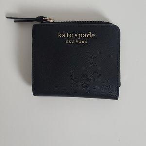 Kate Spade Cameron Small l-Zip Bifold Wallet